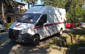 Одна из машин скорой помощи, переданная Министерству здравоохранения Республики Абхазия в дар от  Чеченской Республики, передана Очамчырской ЦРБ.
